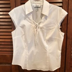 WHITE BLOUSE BY LAUNDRY